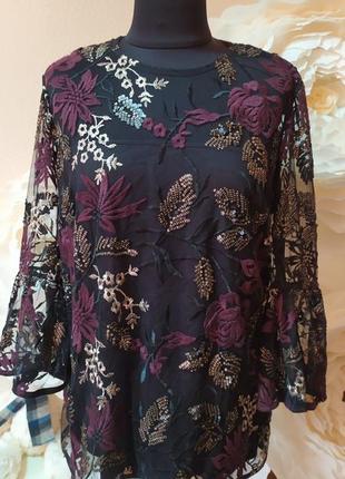 Шикарная блуза с дорогой вышевкой