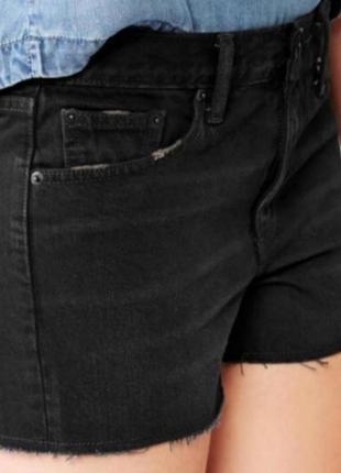 Фирменные джинсовые шорты gap