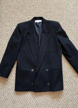 Шерстяное пальто пиджак