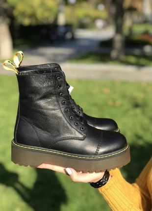 Ботинки в стиле мартинс, натуральная кожа