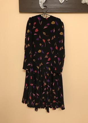 Шелковое красивое и необычное платье винтаж