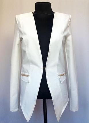 Суперцена. стильный белый пиджак. новый, р-ры 42, 44