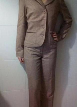 Французский деловой костюм
