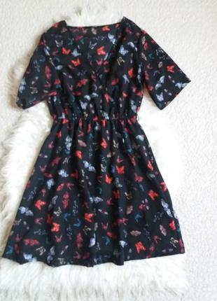 Платье с бабочками на запах new look