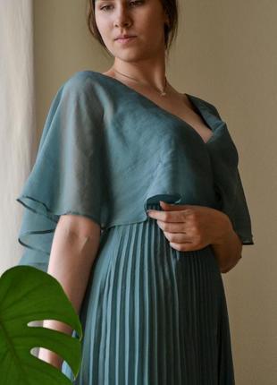 Прекрасное бирюзовое платье плиссе / плиссированое платье цвета морской волны