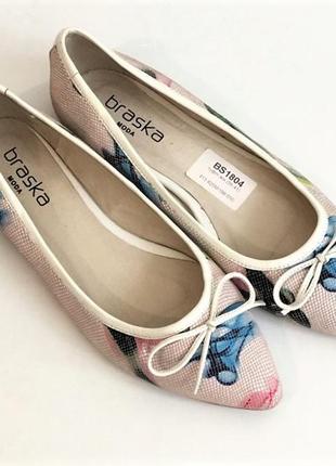 Новые кожаные туфельки-балетки