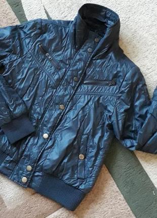 Стильна демісезонна куртка