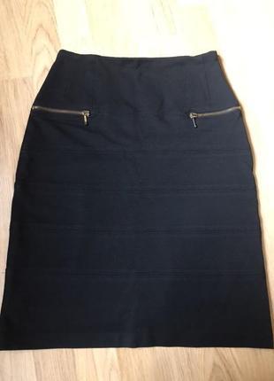 Продам красивую трикотажную юбку stella rich p.s italy