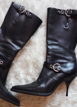 Невероятные дизайнерские кожаные сапожки miu miu