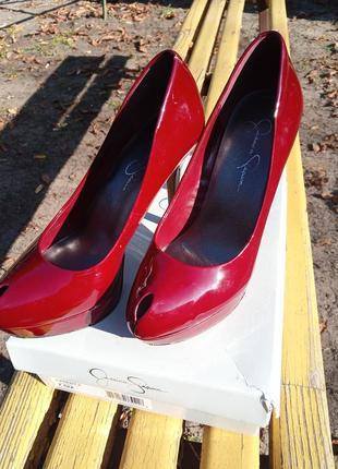 Туфли красные лаковые jessica simpson