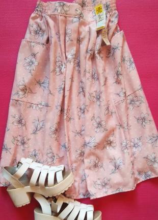 Шикарная юбка миди в цветочек на пишные формы