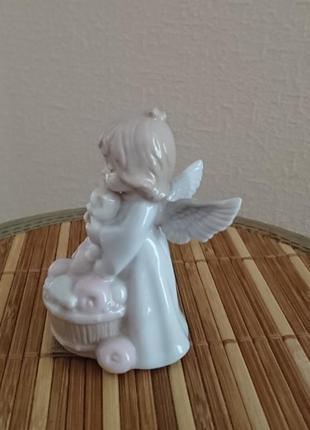 Оригинальная фарфоровая статуэтка фигурка ангелочек с котиком