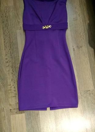 Платье с гипюром и бантом на спинке
