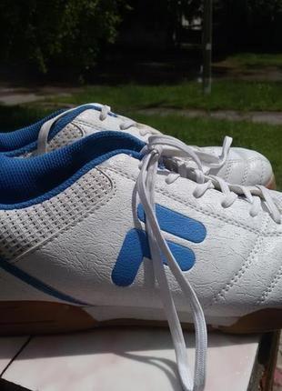 Шикарные кроссовки fila 40-41