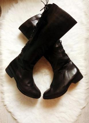 Черные высокие деми сапоги кожаные со шнуровкой по икре сзади низкий каблук устойчивый