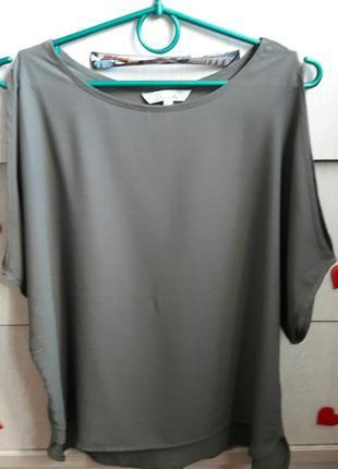Легкая  блуза с вырезами на плечах  peacocks