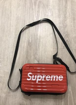 Сумочка клатч supreme красная принт надпись клатч кроссбоди