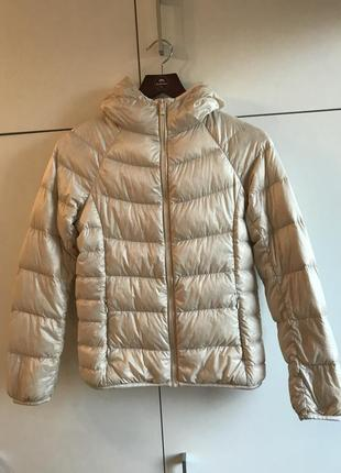 Женская пуховая куртка с капюшоном uniqlo ультралегкий пуховик