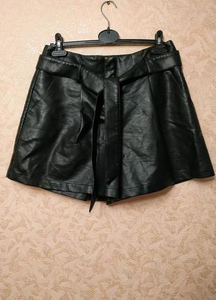 Кожаные шорты с высокой талией new look