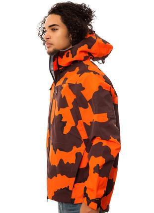 Оригинал, крутая камо куртка 10 deep, размер м