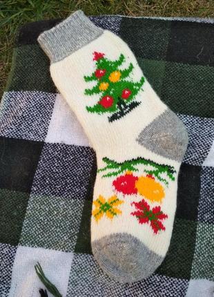 Теплые носочки женские , новогодняя тематика