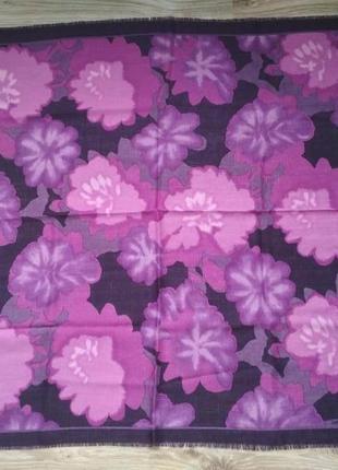 Красивый шерстяной платок lucia