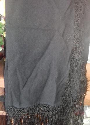 Черный шерстяной платок