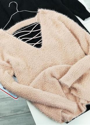 Пушистый свитер со шнуровкой на спинке в121024 qed london размер m