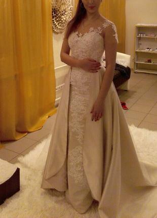 Новое свадебное платье со съемной юбкой