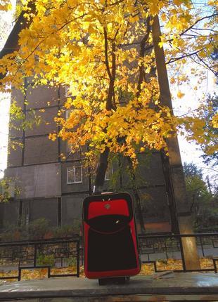 Чемодан дорожный 5 колес черный с красными вставками