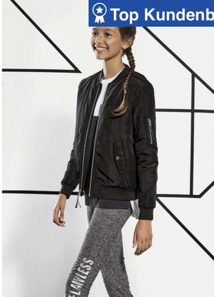Дкмисезонная куртка/ бомбер на девочку р .140 см