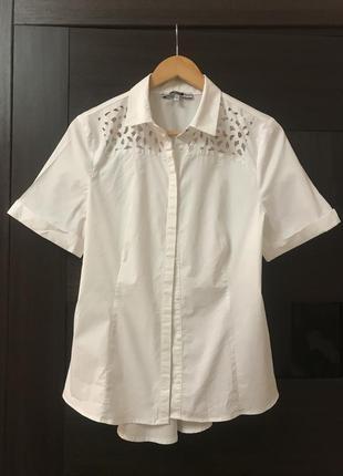 Рубашка белая с перфорацией р. 18