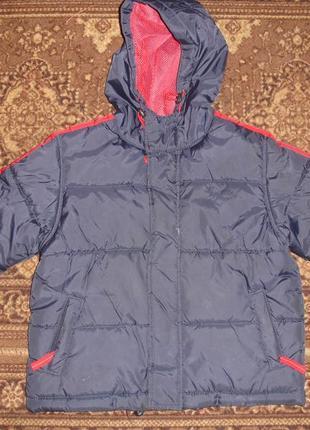 Фирменная теплая куртка для мальчика на 4-5 лет