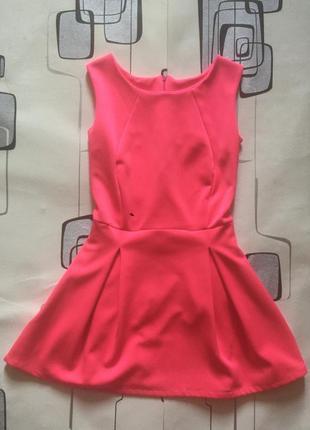 Классное розовое мини платье короткое
