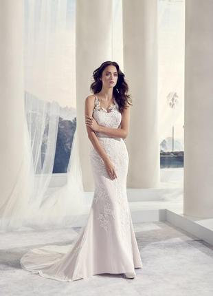 Свадебное платье с камнями модель toscana