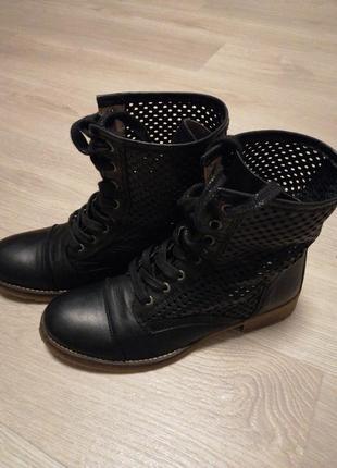 Стильные демисезонные ботинки в сеточку!
