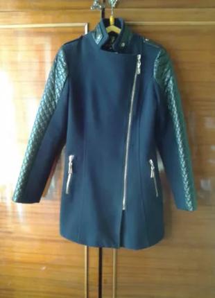 Пальто драповое строгое и элегантное