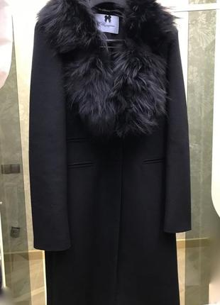Шерстяное пальто blumarine со сьемным воротником