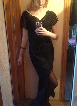 Вечернее нарядное платье  с разрезом