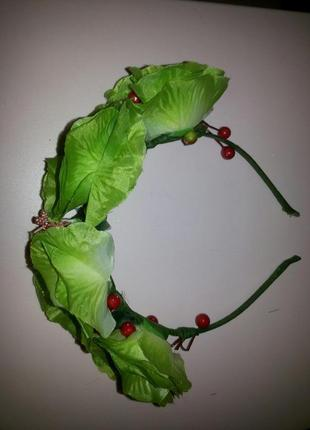Венок зеленые розы
