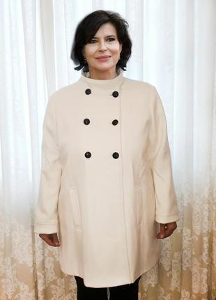 Пальто молочного цвета полушерсть 4xl с биркой