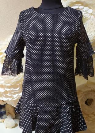 Красивенная блуза из плотной ткани на подкладке