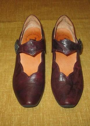 Кожаные туфли think италия