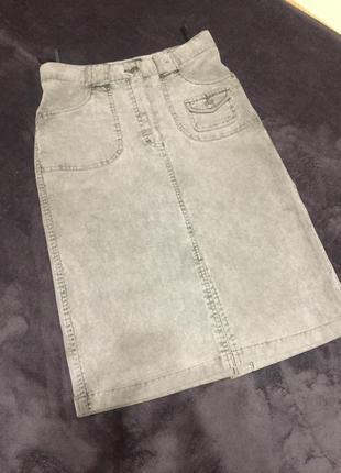 Продам юбку с завышенной талией , вельвет очень крутая