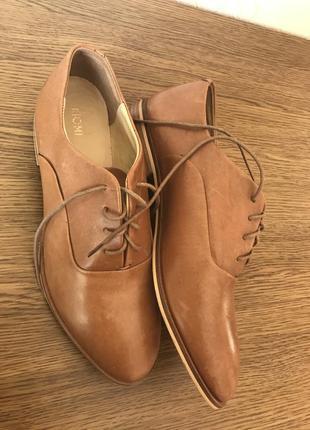 Туфли кожаные женские коричневые на шнурках