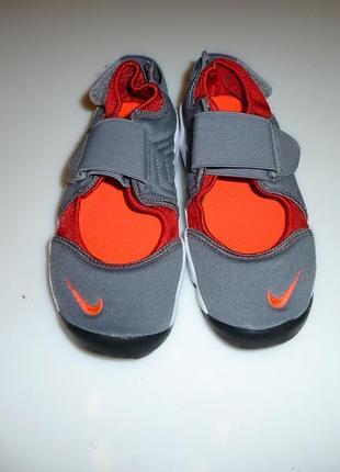Nike облегченные кроссовки найк, оригинал, р uk 1.5, европ 33,5