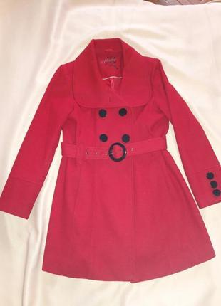 Драповое красное пальто 46-48 размер