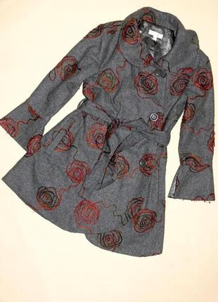 Пальто на 6-7лет