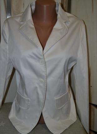 Стильный нарядный классический пиджак жакет на пуговицах в молочно белом цвете l/m италия