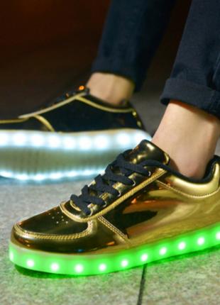 Самая модная фишка 2016-2017 года. светящиеся кроссовки